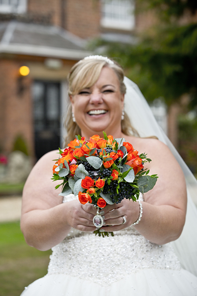 Bride and her flowers at Swancar