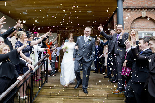 west bridgford registry office confetti